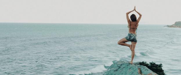 yoga en playa