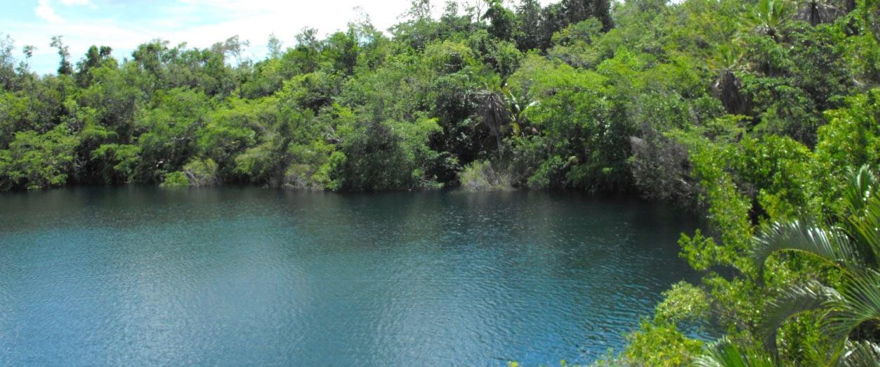 ArribaGrande_0005_cenote azul de bacalar